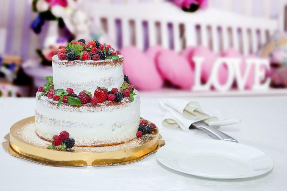 Hochzeittorte und Candybar