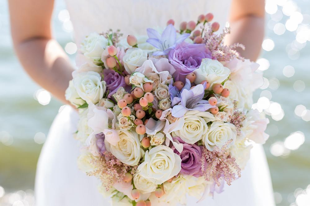 Brautstrauss lila weiß