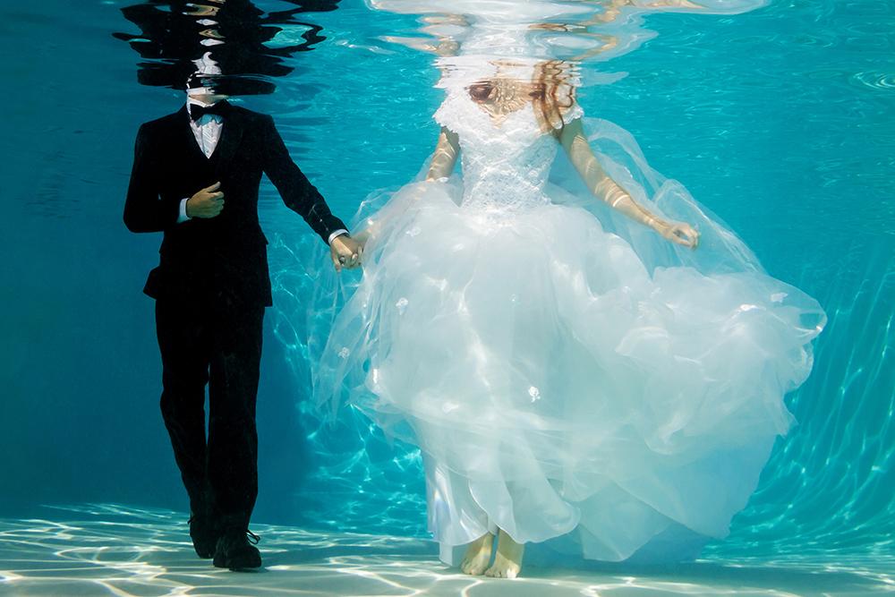 ausgefallene Hochzeitsfotos unterwasser
