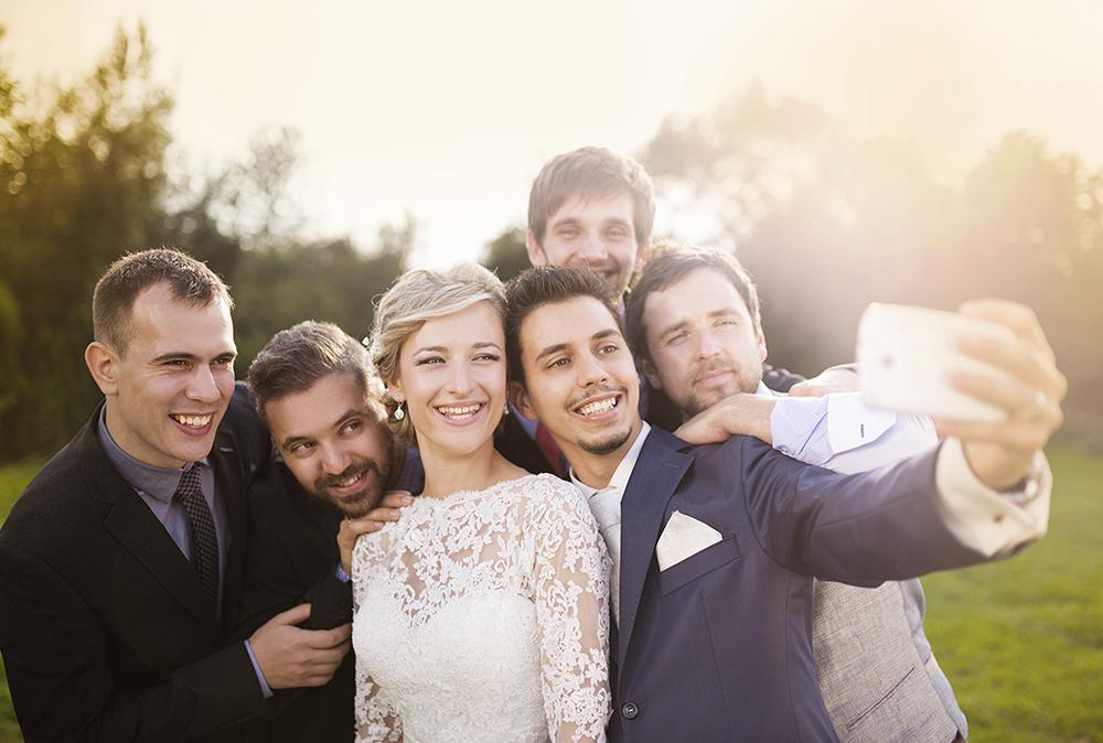 lustige Hochzeitsfotos Selfie Gruppe