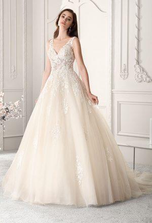 Brautkleider Demetrios | Demetrios Brautkleider Hochzeitskleider Kollektionen Hochzeit De
